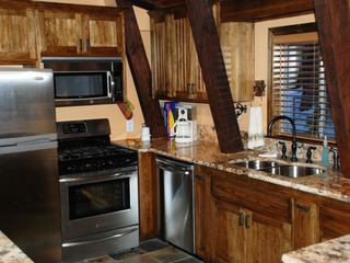 Big Bear Lake house photo - Kitchen features granite countertops