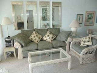 Kihei condo photo - Living Room, new wicker furnature