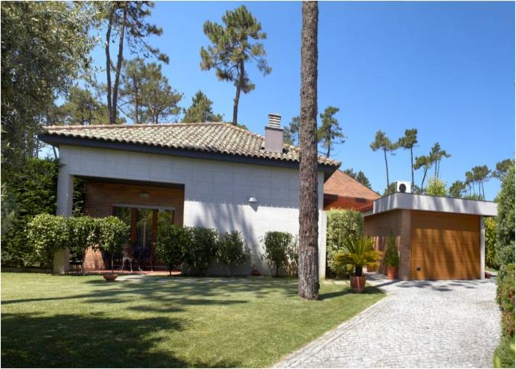 5 bedroom villa with swimming pools, tennis, only 300m from the beach - Ideal Families