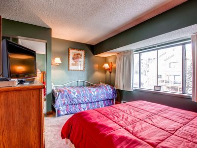 Cedars Townhomes Guest Bedroom Ski-in/Ski-Out Breckenridge Lodgi