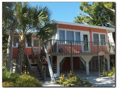 The Victoria Cottage 2bd/1ba - Bay Side Cottage -  A Remix of Old Florida Charm and Todays Expections
