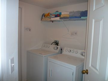 Full Size washer and Dryer, Full size kitchen