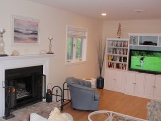 Bethany Beach townhome photo - The living room has a fireplace and a 42 inch flat screen television.