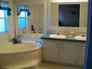 Lake Seminole house photo - Masterbathroom w/garden tub, 2 sinks and shower