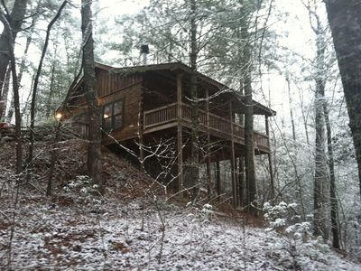 Pet friendly cabin near fishing hiking and more between for Blue ridge cabin rentals pet friendly