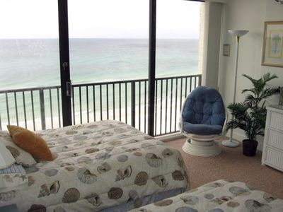 Even the guests enjoy a beautiful beachfront oceanview from 2 Double beds!