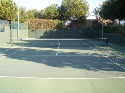 Tennis and paddle