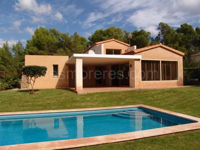 BEAUTIFUL VILLA IN FRONT OF GOLF AND VERY CLOSE TO BEACH ARE PRETTY SAURA