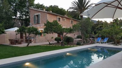 Stunning, newly restored luxury 1730 Finca, Pool, Orchard, Mountain views, WiFi