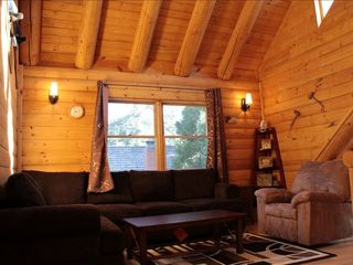 Lake Arrowhead cabin photo - Family room on the 2nd floor
