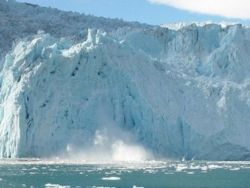 Aialik glacier, in Kenai Fjords National Park. Accessible via tourboat.