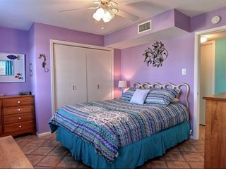 Port Aransas house photo - Upper guest room w/queen size bed