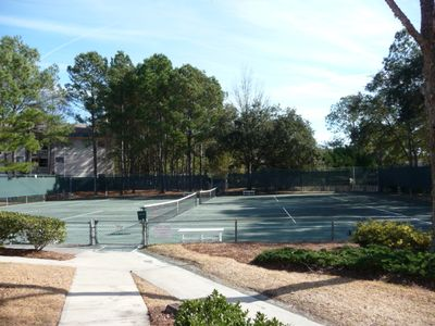Folly Field villa rental - There are Ten Har-Tru Courts to play