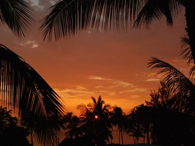 Kihei condo rental - Another perfect sunset, from nearby Kamaole II Beach
