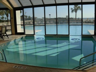 South Tower Indoor/Outdoor pool