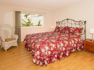 Malibu villa photo - 4th Bedroom with King Bed, Garden and partial Ocean View