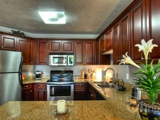 Oceanside condo photo - Breakfast Bar