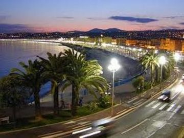 Night time in Nice
