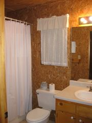 Concan cabin photo - 2nd full bathroom