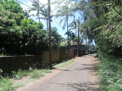 The quiet side lane that Paia Bay Suites is on (our sign is visible on fence).