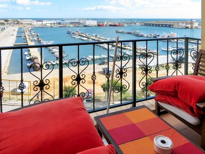 Elegant apartment near the sea in Olhão, the Algarve, with roof terrace and sea view