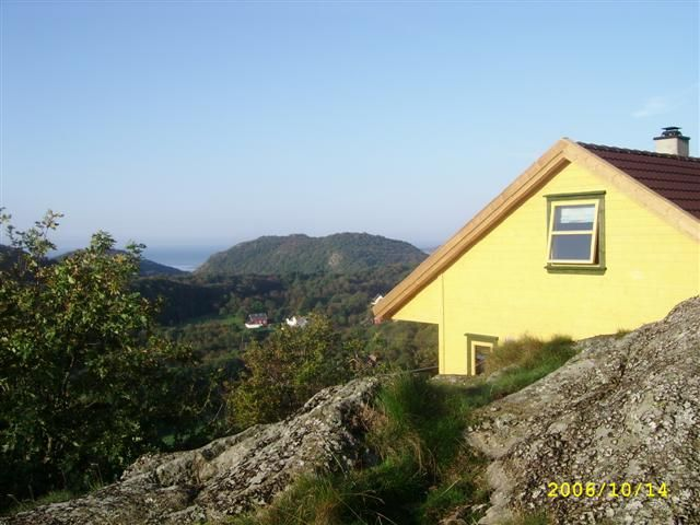 Modern u. Charming wooden house with stunning views of fjords, North Sea, islands