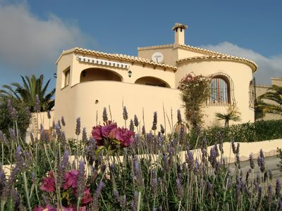 Beautiful house with sea views, community pool and wifi connection -