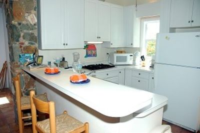 Chocolate Hole house rental - Our fully equipped kitchen is perfect for island meals
