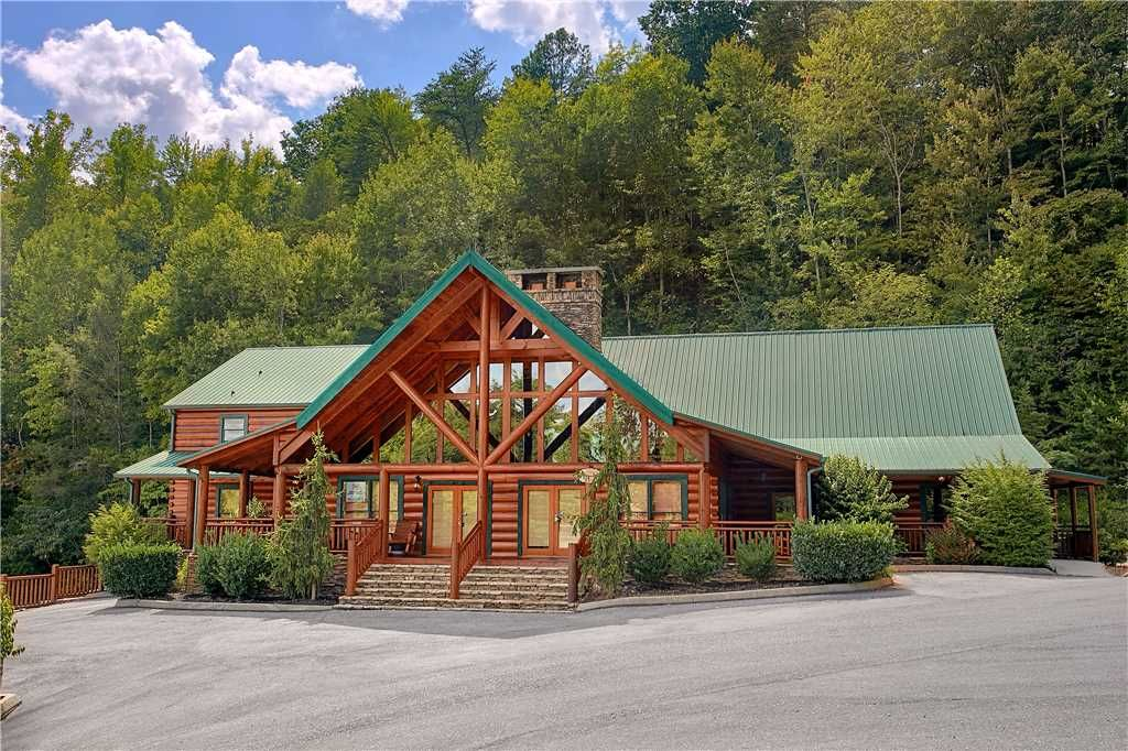 Gorgeous 11 Bedroom Cabin Home Theatre Pool Vrbo