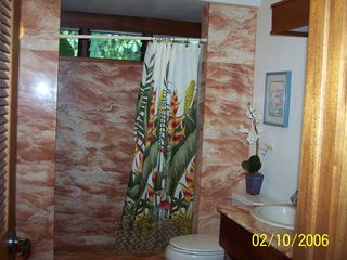Anini Beach house photo - Second Bathroom and walk in shower