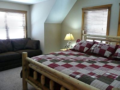Branson house rental - Both upper level bedrooms have pull-out sofa sleepers
