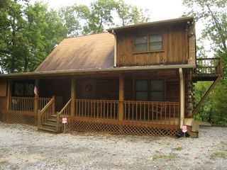Gatlinburg cabin photo - Escape to the mountains in this wonderfully appointed cabin!