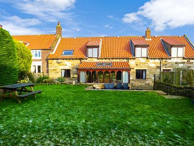 AIRY HILL FARM COTTAGE , pet friendly in Whitby, Ref 915190