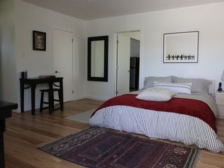Venice Beach apartment photo - Spacious Bedroom with Queen Bed