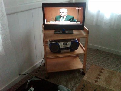 New flat screen cable TV, CD player and FREE Secured wireless internet access.