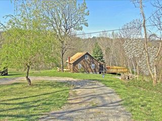 Berkeley Springs cabin photo - Approach to the cabin