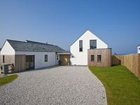 Luxury Contemporary House -Fabulous sea views and right by sandy beaches!