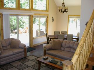 Mount Shasta cabin photo - Living Room and Dining Room