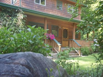A two-storey cottage set in beautiful Roberts Creek for your family vacation