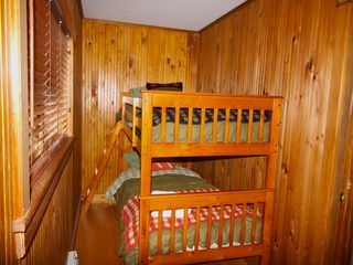 Lake Placid house photo - Two rooms with bunk beds