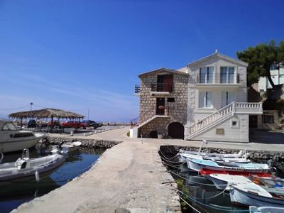 Accommodation, max 4 persons, close to the sea