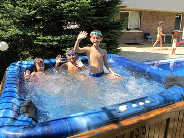 jacuzzi 4 person