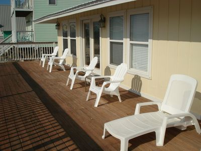 Front deck with lounger, Adirondacks for great 'beach watching'