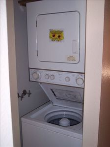 Wailea condo rental - Stacking Washer, Drier in unit