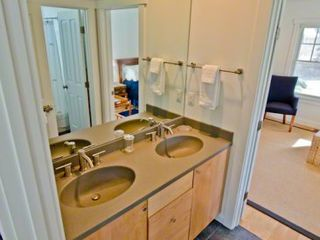 Katama house photo - Jack & Jill Bath With Double Vanity & Tub/Shower Connect Bedroom #3 With Den