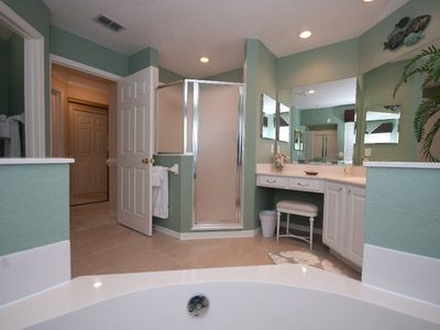 Gorgeous Master Bath En Suite