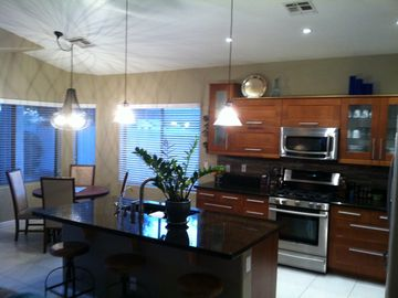 Sun Lakes house rental - Gorgeous kitchen with granite counter tops, and stainless steel appliance.