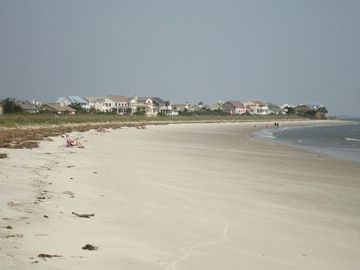 Book a MEMORIAL DAY WeekEnd VAC soon! 2 1/2 mile beach. Swim, walk, ect. WOW
