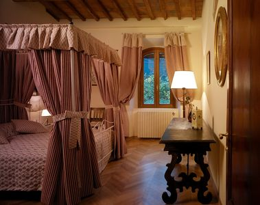 Alto Mugello apartment rental - Pink bedroom