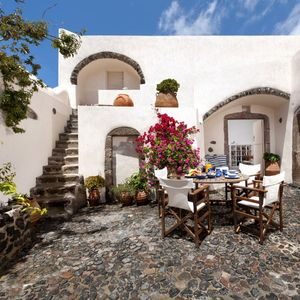 Charming character villa with 2 bedrooms and outdoors jacuzzi